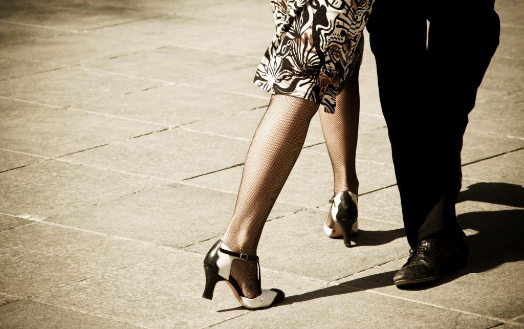 argentina-buenos-aires-tango-legs